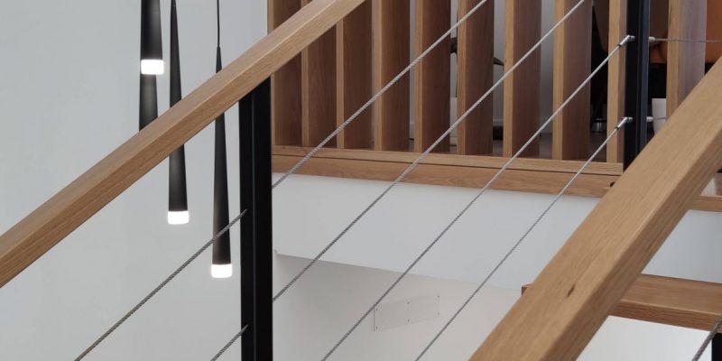 Detalhe interior - Escadaria e iluminação